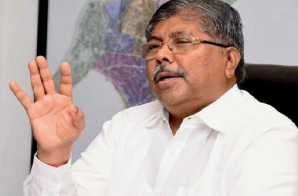 मराठा आंदोलनाच्या भीतीमुळे मुंबईत संचारबंदी, चंद्रकांत पाटलांची सरकारवर टीका