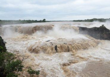 पैनगंगेच्या पुरामुळे सहस्रकुंड धबधब्याला अक्राळविक्राळ रुप