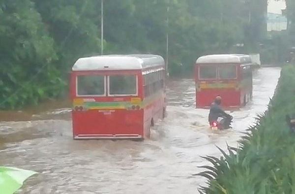 Mumbai Rains   मुंबईत 48 तासात 240 मिमी पाऊस, हळूहळू मुंबईचे जनजीवन पूर्वपदावर