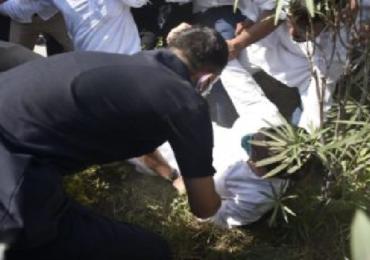 Rahul Gandhi | उत्तर प्रदेश पोलिसांकडून राहुल गांधींना धक्काबुक्की, कॉलर पकडून ताब्यात घेतलं