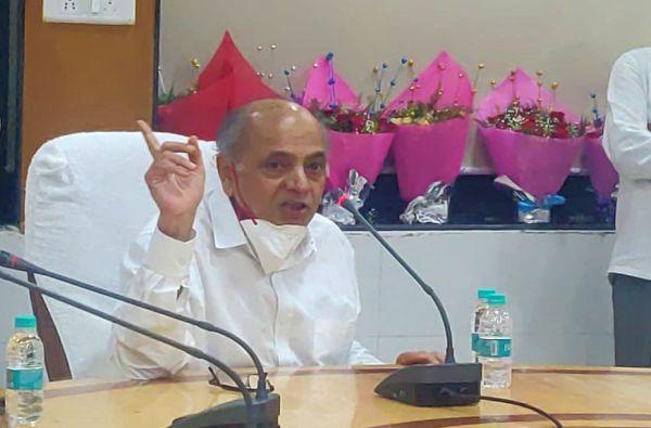 अदानी-अंबानी 21 व्या शतकातील इंग्रज, भाजप त्यांच्याच हातात देश देतोय : डॉ. गणेश देवी