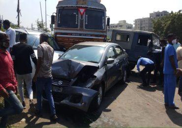 पुण्यात थरार! 15 गाड्या एकमेकांवर धडकल्या; 3-4 जणांचा जागीच मृत्यू