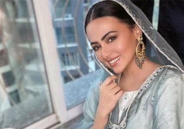 Sana Khan | आता पुढचा प्रवास मानवतेच्या शोधात, सलमानच्या अभिनेत्रीचा चित्रपटसृष्टीला अलविदा!