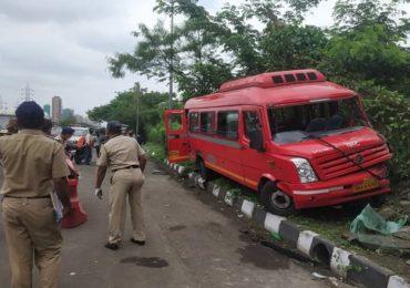 विक्रोळीत बेस्टचा अपघात, चालकाचे नियंत्रण सुटून बस दुभाजकावर आदळली; 15 प्रवासी जखमी