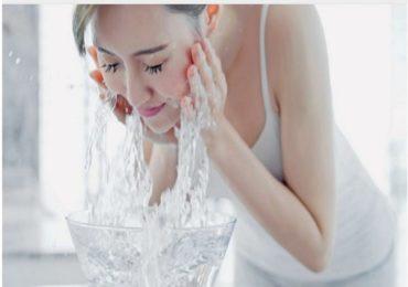 Beauty tips : फक्त दहा मिनिटांत घरच्या घरीच करा फेशियल!