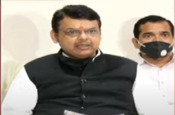 Devendra Fadnavis Live : 'राज्यात शरद पवारांएवढा जाणकार नेता नाही; पण ते सध्या मोजकंच बोलतायत'