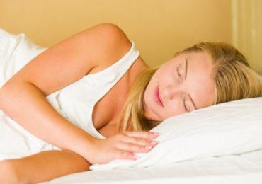 Health Food | शांत झोप मिळवण्यासाठी आहारात 'या' घटकांचा समावेश आवश्यक!