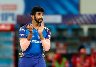 IPL 2020, CSK vs MI : 'यॉर्करकिंग' जसप्रीत बुमराहला अफलातून रेकॉर्डची संधी