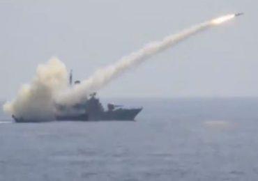 युद्धभूमीवरील भारतीय नौदलाच्या शक्तीचा 'ट्रेलर', लक्ष्याचा अचूक वेध घेणारा व्हिडीओ व्हायरल