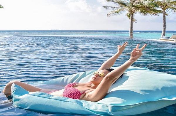 Photo | नेहा धूपियाची मालदीव ट्रिप, सोशल मीडियावर फोटो शेअर