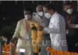 Shiv Sena Dussehra Melava Live | उद्धव ठाकरे सावरकर स्मारकात पोहोचले, ढोलताशांच्या गजरात स्वागत