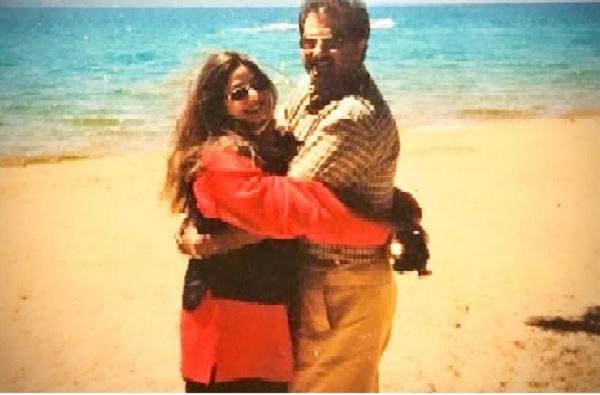 Janhvi Kapoor | श्रीदेवींच्या आठवणीत हळवी, जान्हवी कपूरकडून आई-वडिलांचा खास फोटो शेअर