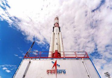 2020 मधील ISROची पहिली मोहीम, शत्रूराष्ट्रांच्या हालचालींवर लक्ष ठेवणाऱ्या 'EOS-01'उपग्रहाचं  7 नोव्हेंबरला प्रक्षेपण