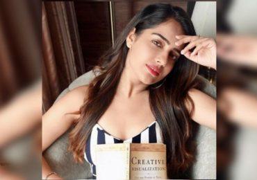 दिवसाढवळ्या अभिनेत्री माल्वी मल्होत्रावर चाकू हल्ला, आरोपीला वसईतून अटक