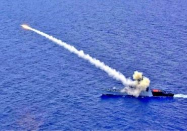 भारतीय नौदलाचा बंगालच्या उपसागरात अचूक मारा, चीन, पाकिस्तानला थेट इशारा
