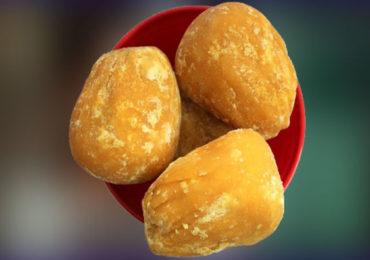 Food   हिवाळ्यात साखरेऐवजी गुळाचे अधिक सेवन आरोग्यासाठी अतिशय लाभदायक!