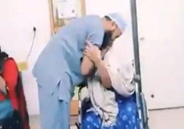 शहीद जवानाच्या आईवर मोफत शस्त्रक्रिया, रुग्णालयातील भावनिक व्हिडीओ व्हायरल, अशोक चव्हाणांकडून डॉक्टरांना शाबासकी