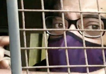 अर्णव गोस्वीमांना फोन पुरवणारे 2 कर्मचारी निलंबित, अलिबाग तुरुंग प्रशासनाची कारवाई