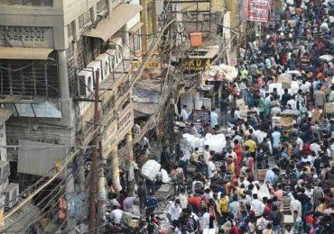 Photo ! कोरोनाचा धोका; तरीही मुंबई ते दिल्ली खरेदीसाठी तुफान गर्दी