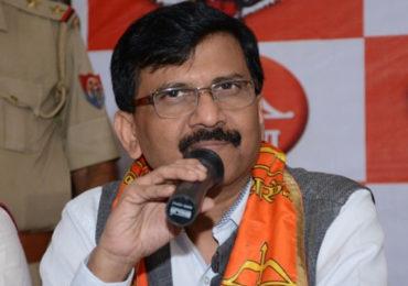 मुंबई-महाराष्ट्रावर धोक्याची टांगती तलवार, कोरोनाचं संकट विसरून चालणार नाही; शिवसेनेचा सल्ला