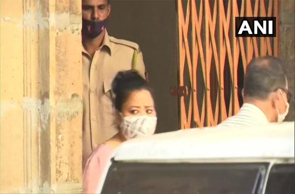Drugs Case | हर्ष-भारतीची वैद्यकीय चाचणी, ड्रग्ज प्रकरणी कोर्टात हजर करणार!