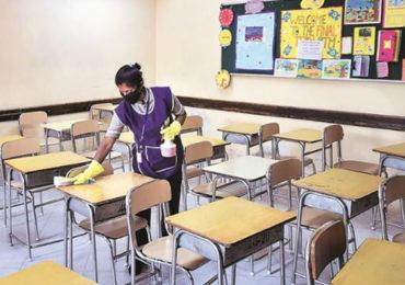 रत्नागिरीत सुरू झालेल्या शाळा पुन्हा बंद होण्याच्या मार्गावर?; आज निर्णय होणार