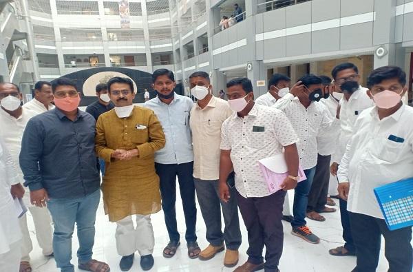 Shivsena leader Abhay Shirsat will join congress