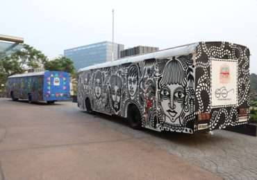 नवी मुंबईत जुन्या बसचे 'मोबाईल टॉयलेटमध्ये' रुपांतर