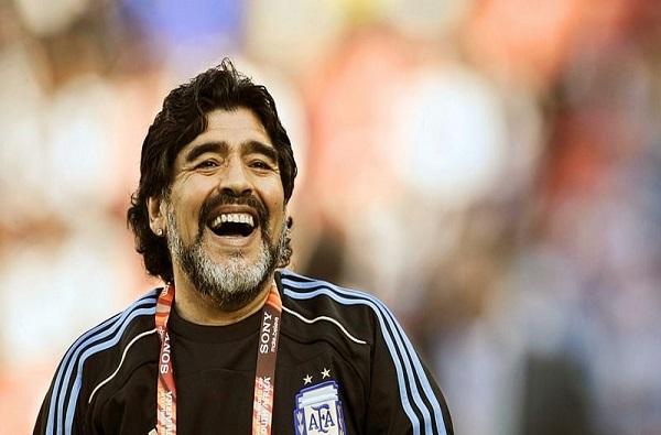 Breaking : जगविख्यात फुटबॉलपटू दिएगो मॅरेडोना यांचे हृदयविकाराच्या झटक्याने निधन