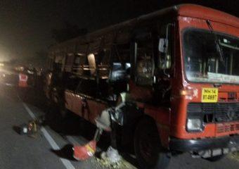 साताऱ्यातून मुंबईकडे येणाऱ्या एसटीला अवजड वाहनाची जोरदार धडक, एकाचा मृत्यू, 16 जण गंभीर