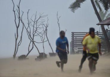 Cyclone Nivar : पुद्दुचेरीसह अनेक जिल्ह्यांमध्ये मुसळधार पाऊस, तामिळनाडू, पुद्दुचेरीतील एक लाख लोकांचे स्थलांतर