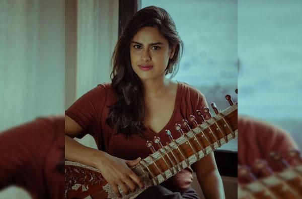 Neha Mahajan | मराठी अभिनेत्रीच्या सितारवादनाचा सातासमुद्रापार डंका, नेहा महाजन-रिकी मार्टीनच्या म्युझिक अल्बमला 'ग्रॅमी' नॉमिनेशन!