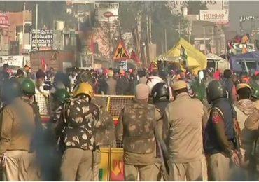 Farmer Protest | मैदानांच्या खुल्या तुरुंगाच्या रुपांतराची दिल्ली पोलिसांची मागणी केजरीवाल सरकारने फेटाळली