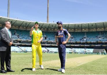 Ind vs Aus 2020, 2nd ODI Live Score Updates | दमदार शतकानंतर स्टीव्ह स्मिथ बाद