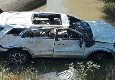 ताडोबा व्याघ्र सफारीसाठी निघालेल्या पर्यटकांची गाडी नाल्यात कोसळली, 12 वर्षीय मुलीचा मृत्यू, 5 जण गंभीर