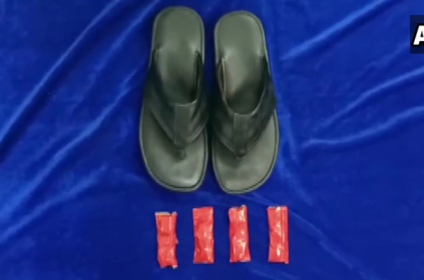 Gold and foreign currency seized on airport concealed in slipper straps
