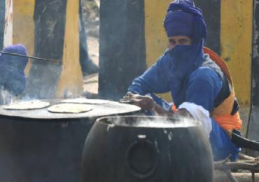 PHOTO | दिल्लीत आंदोलनाचा सातवा दिवस; शेतकरी काय खातात, कुठे झोपतात?