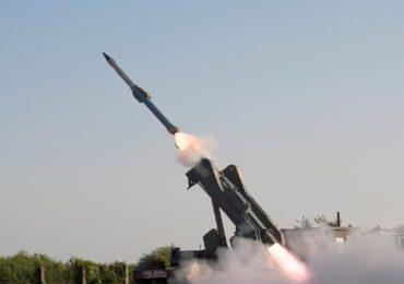 भारतीय वायूदलाचे सामर्थ्य वाढले, चीनला भरणार धडकी; एकाचवेळी 10 'आकाश' क्षेपणास्त्रांची यशस्वी चाचणी