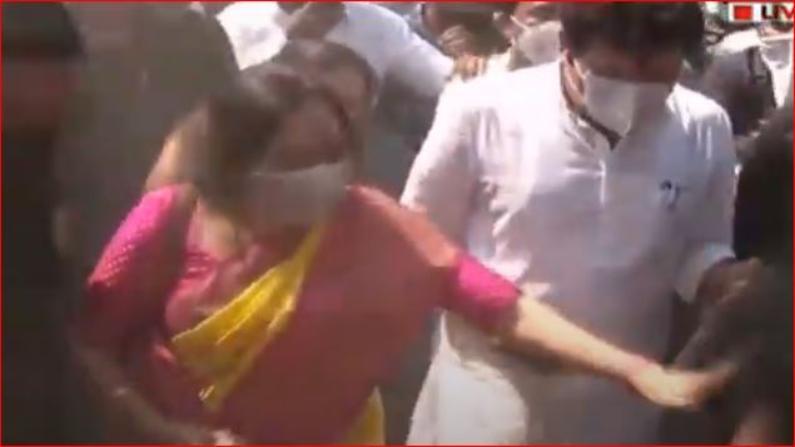 Sanjay Rathod wife sheetal Rathod at Poharadevi