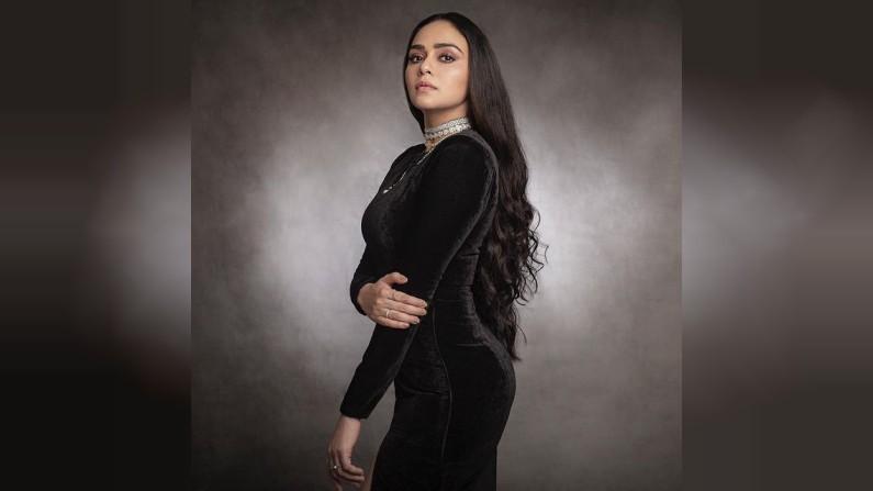Amruta Khanvilkar, Photo