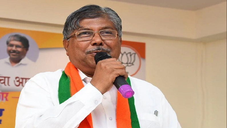 If you criticize central govt for every problem then give Maharashtra govt power in hands of Narendra Modi bjp says Chandrakant Patil