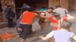 people beat police constable in Delhi khyala area