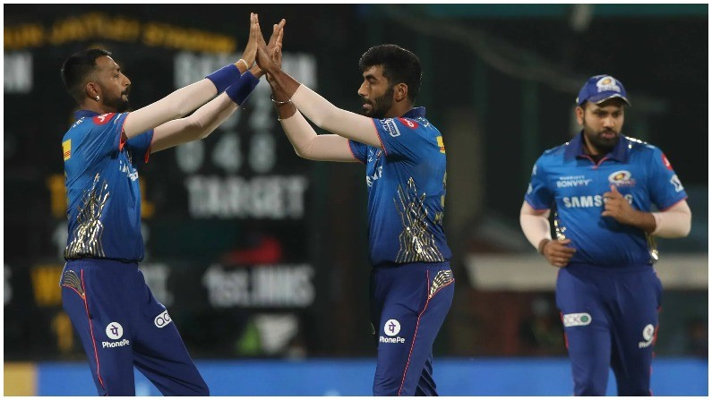 IPL 2021 Jasprit bumrah Avesh Khan best Economy Death over 2