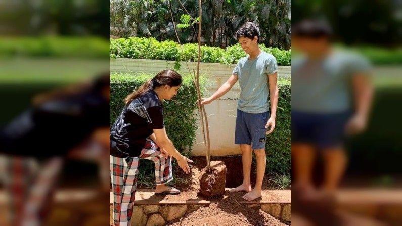 Juhi Chawla daughter janhavi Will Enter Bollywood debut