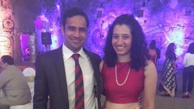 Gautam Dagar And Neha pardeshi rugby team captain Wedding photo