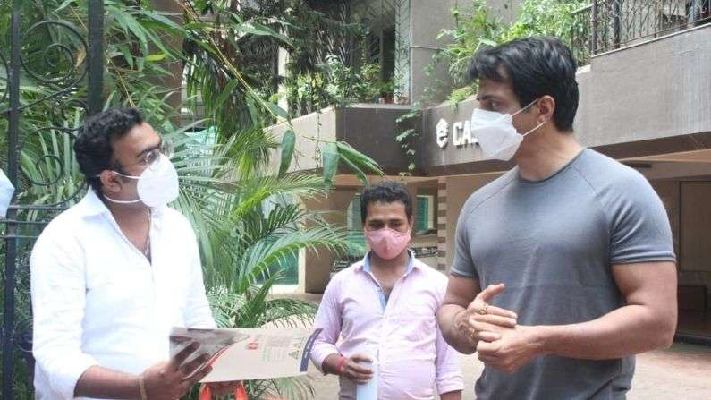 Sonu Sood Helping people