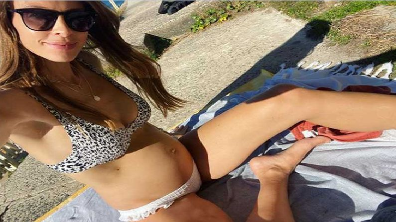 australian Player Pat Cummins pregnant Girlfriend Flaunts baby bump3